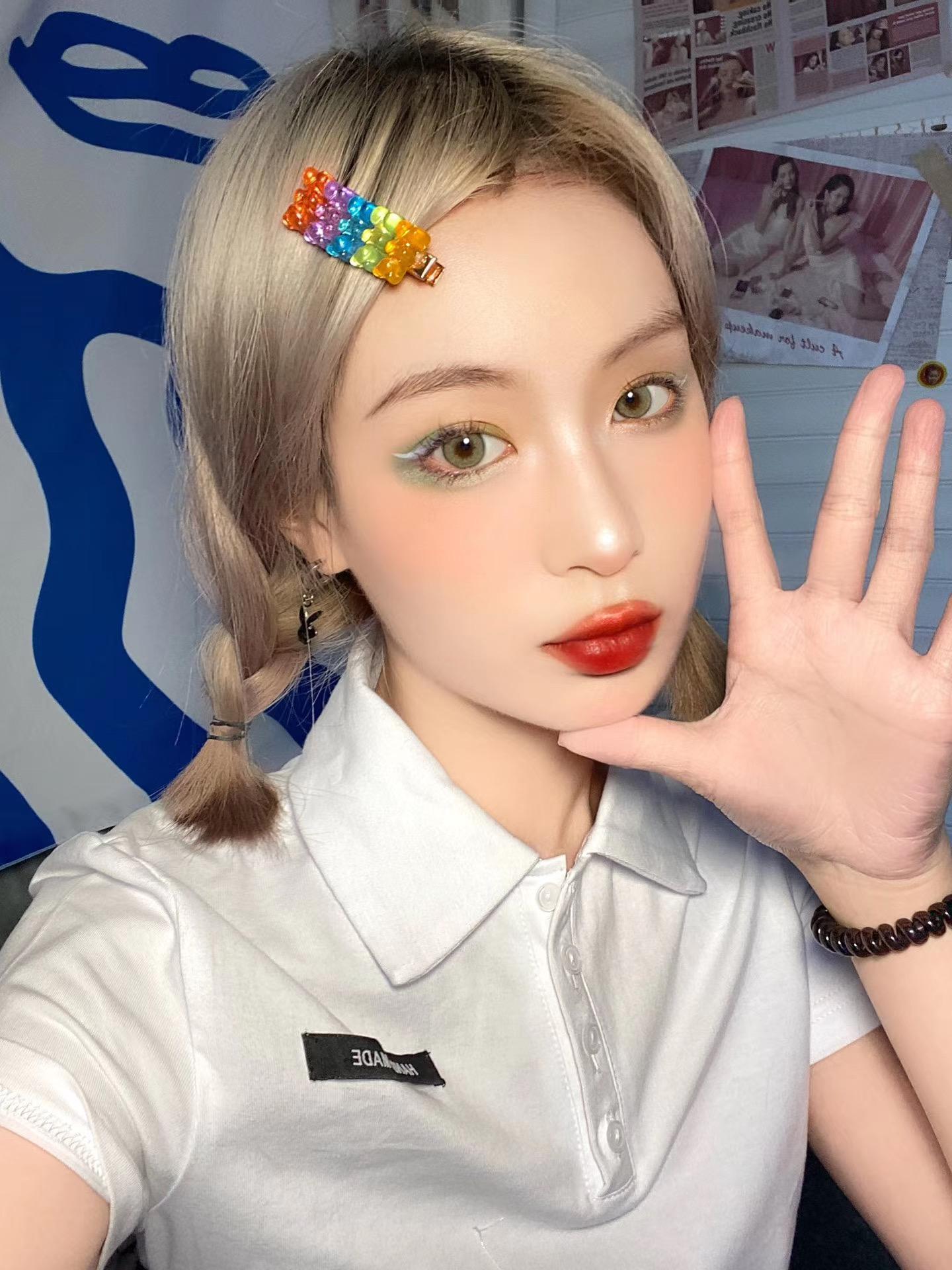 PiPicon茶芥绿美瞳模特展示