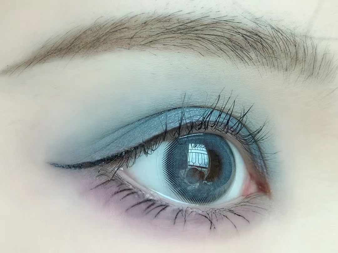 美瞳产品推荐:超显白的冰雾色,极光海蓝!